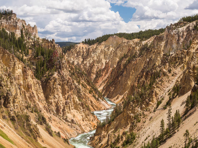 RealImaginaryWest Day 10 – Grand Canyons, Geysers & Grant Village in Yellowstone