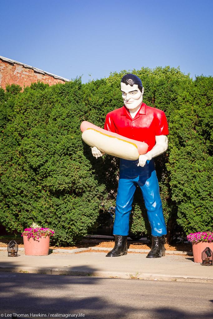 The Bunyons Giant on Route 66 in Atlanta, Illinois originally stood over the Bunyon's restaurant along Route 66 in Cicero, Illinois.
