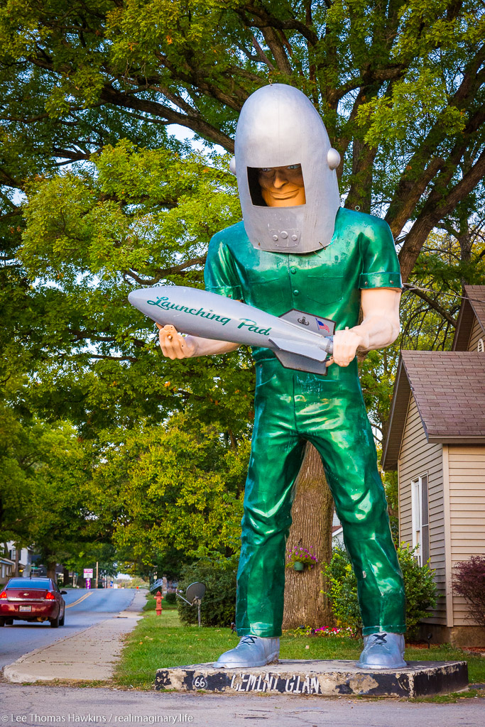 The 30-foot tall Gemini Giant invites customers to the Launching Pad diner in Wilmington, Illinois.